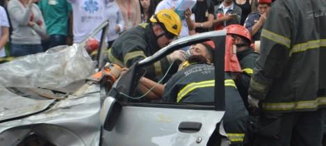 Simulação de acidente de trânsito na UFMG