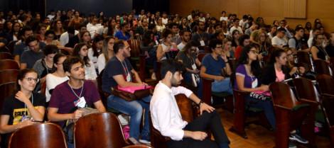 Acadêmicos de medicina participam do 10º Simpósio da Ligami-MG